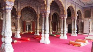 Tempel Karauli